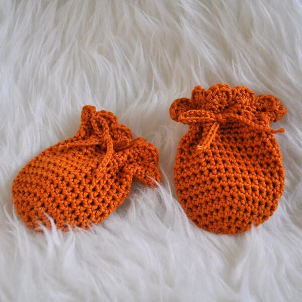 Babbyboo Newborn wantjes haakpatroon oranje