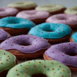 Vilten speelgoed-donut