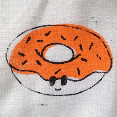 Handgestempelde romper donut
